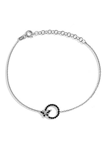 Argentum Concept Siyah Taşlı Gümüş Halka İçinde Kelebek Bileklik - B046001 Gümüş